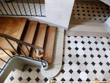 Escalier château de Malmaison © Corinne Martin-Rozès
