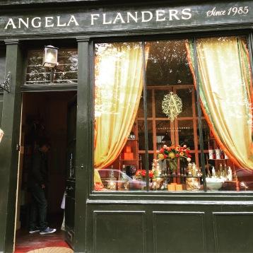 Angela Flanders Perfumer © Corinne Martin-Rozès